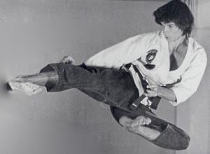 LC jump side kick